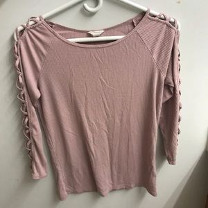 Aeropostale cut out sleeves